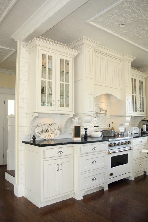 Also Love The White Viking Range What Color Are The Cabinets