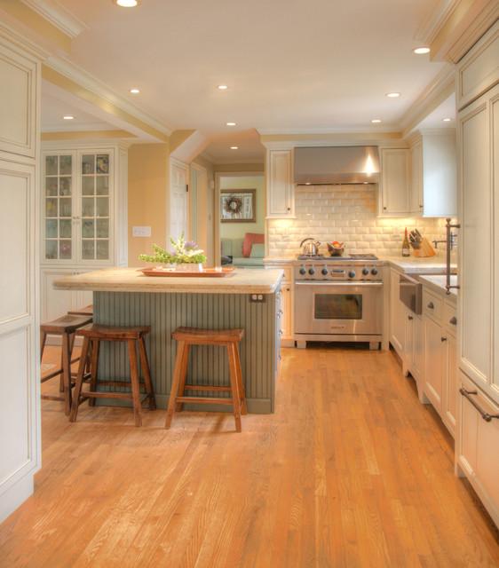 Beach Cottage Kitchen Kitchen: Poolside Cottage