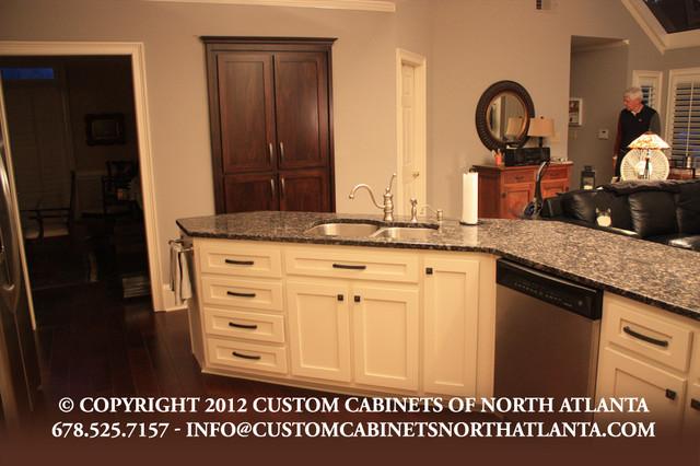 Portfolio 2012 traditional kitchen atlanta by for Classic kitchen cabinets inc