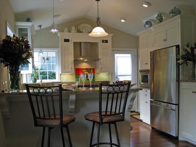 Post WWII Rambler Kitchen Remodel - Traditional - Kitchen - dallas - by A Kitchen That Works LLC