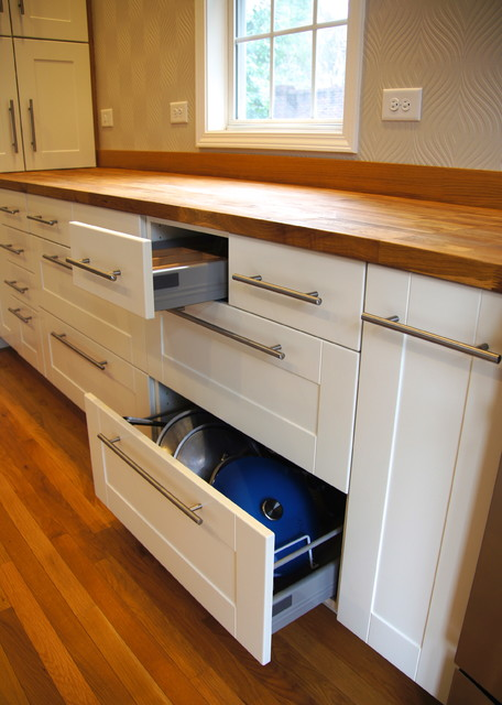 Pot Drawers Detail Contemporary Kitchen Raleigh By Sophie Piesse Architect Pa