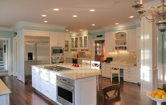 Potomac md brick ranch home to nantucket style for Bi level home kitchen ideas