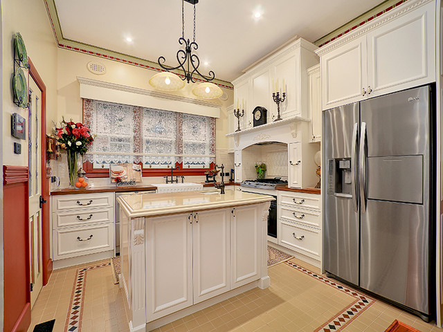 Preston Provincial Traditional Kitchen Melbourne By Finewood Design