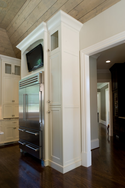 Price Residence traditional-kitchen