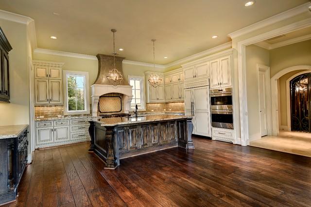 Elegant kitchen photo in Houston
