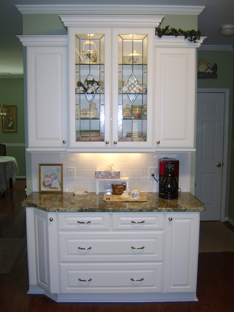 Princeton Maple In White Icing Finish By Schuler Cabinetry - Traditional - Kitchen - Atlanta ...
