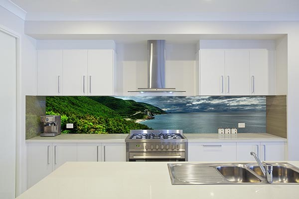 example of a kitchen design in gold coast tweed - Glass Kitchen