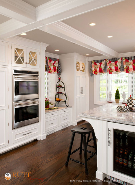 Pristine Traditional Pittsburgh Kitchen - Traditional - Kitchen - Other - by Rutt Regency Cabinetry