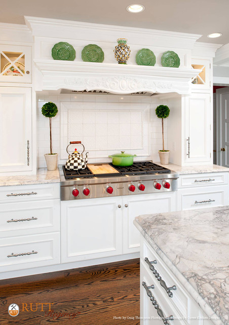 Pristine Traditional Pittsburgh Kitchen - Traditional ...