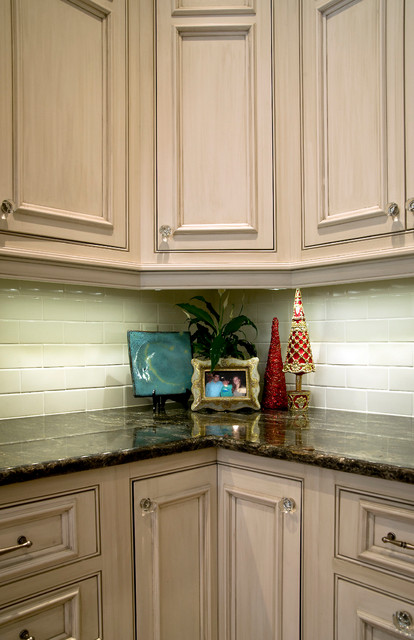 Private Residence - Brighton Place - Gulfport, MS traditional-kitchen