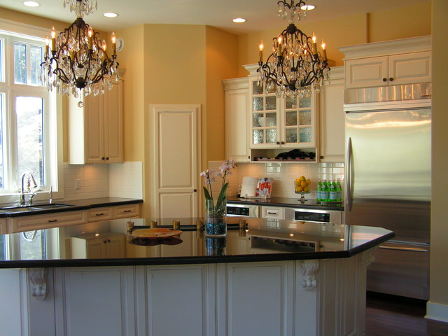 Private residence kamloops bc canada traditional for Kitchen cabinets kamloops