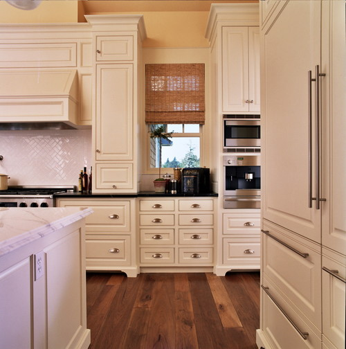 Is Mixing Kitchen Cabinet Finishes Okay Or Not: Beautiful Mix Of Cabinet Hardware. Can You Tell Me The