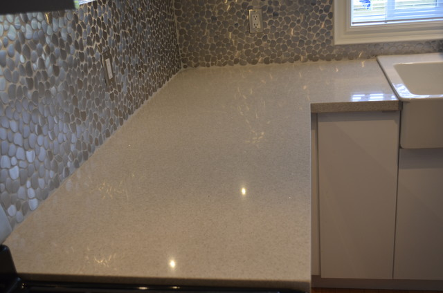 PRIVATE RESIDENCE - SAMSUNG QUARTZ GENTLE GREY