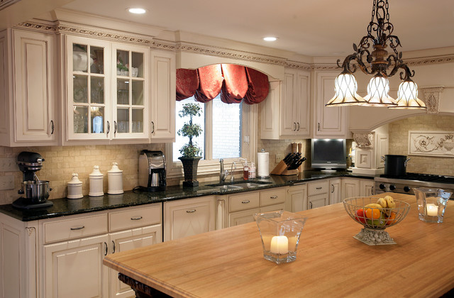 Project 4 traditional-kitchen