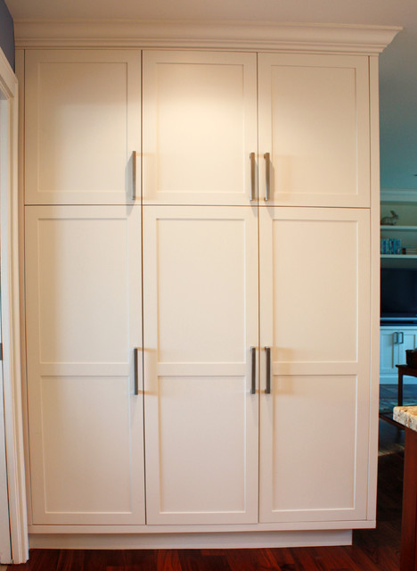 Project 8 Compact Transitional Kitchen Vancouver By Westwerk Custom Cabinetry