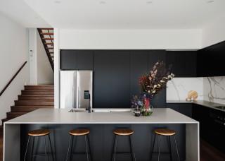 75 Most Popular Kitchen With Dark Hardwood Floors Design Ideas For September 2020 Stylish Kitchen With Dark Hardwood Floors Remodeling Pictures Houzz Au