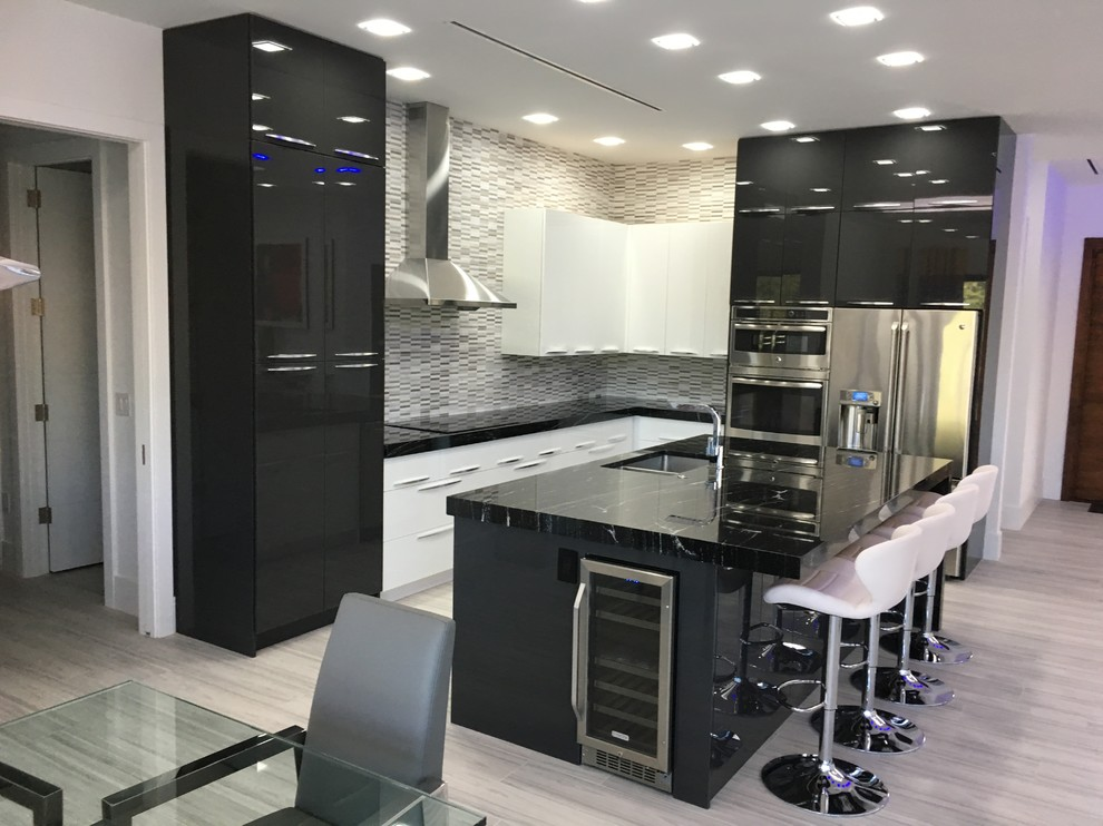 Project Marco - Modern - Kitchen - Miami - by GGR Custom ...