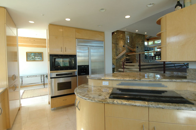 PROJECT: The Golden Residence by Frederick Clifford Gibson modern-kitchen