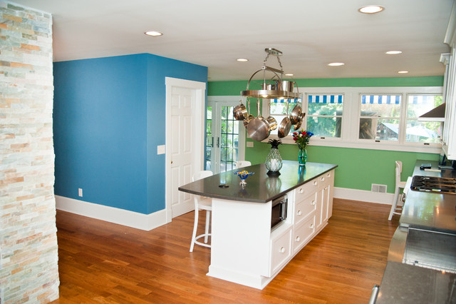Projects: Kitchen Remodeling Projects traditional-kitchen
