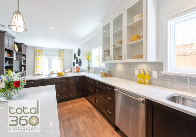 Superbe Property Brothers Renovation Modern Kitchen