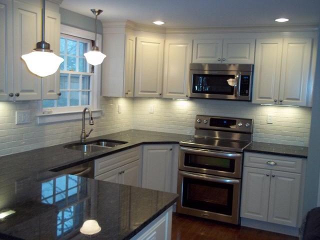 Psi Kitchen 2 Kraftmaid Montclair Biscotti Black Pearl Granite Oak Floors