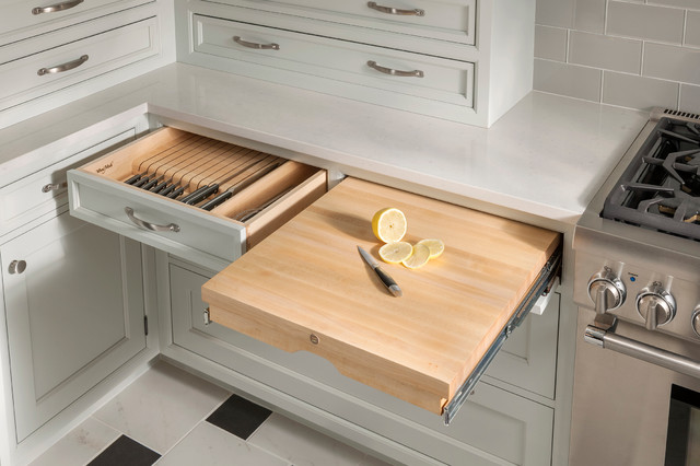 Pull Out Cutting Board And Knife Block Traditional