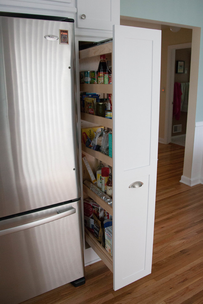 Pull out pantry for tight spaces