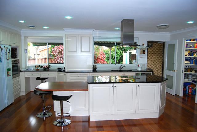 Pymble kitchen renovation sydney 2073 transitional for Kitchen remodelling sydney