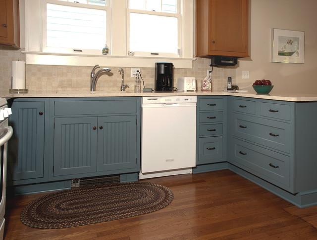 Quaint farmhouse farmhouse kitchen cleveland by for Quaint kitchen designs