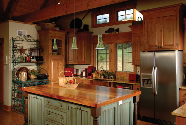 Quaint Farmhouse With Great Lighting Country Kitchen