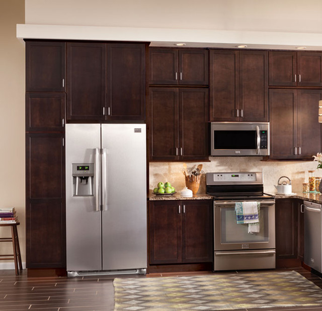 Quality Cabinets Woodstar Series Contemporary Kitchen