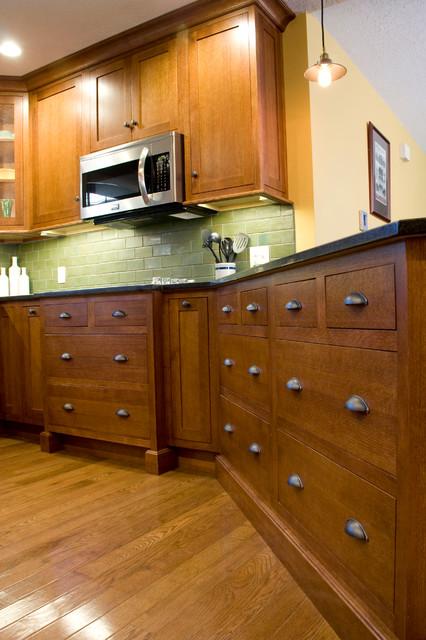 Quarter Sawn Inset Oak Kitchen - Craftsman - Kitchen ...