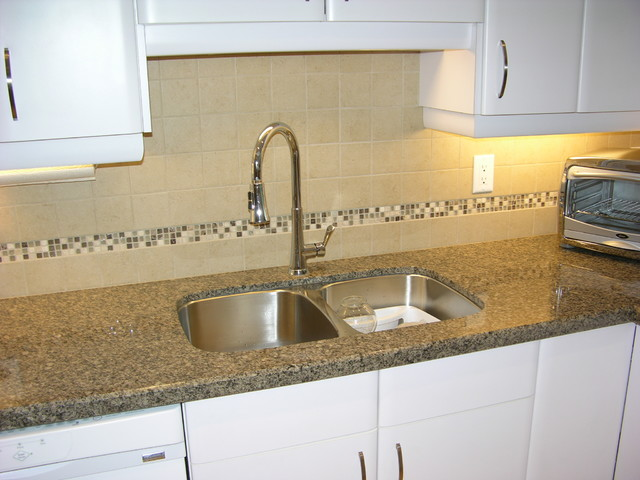 Quartz countertop with backsplash kitchen toronto by Backsplash ideas quartz countertops