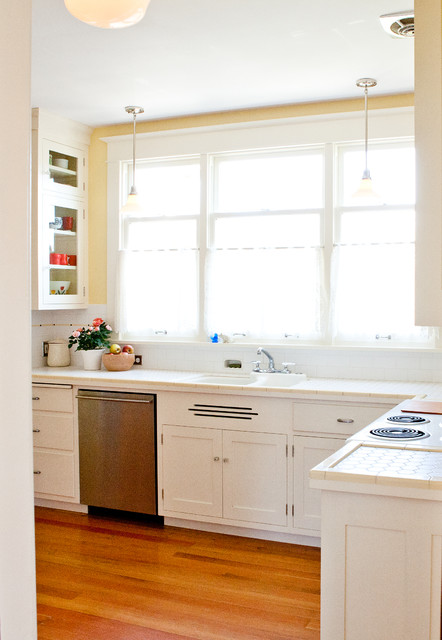 Queen anne bungalow traditional kitchen seattle by for Kitchen cabinets seattle