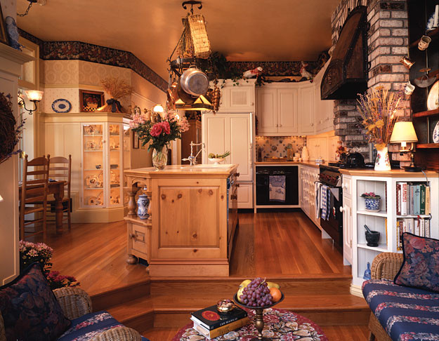 Queen anne colonial style kitchen remodel traditional for Colonial style kitchen cabinets