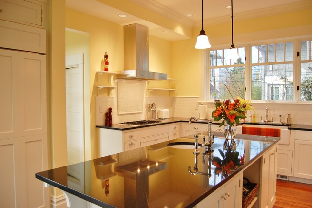 Queen Anne Home traditional-kitchen