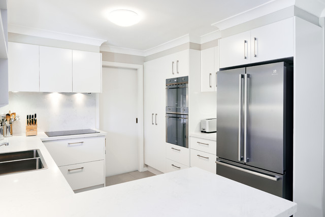 Radiant kicthen in St Ives - Contemporary - Kitchen - Sydney - by Apollo Kitchens