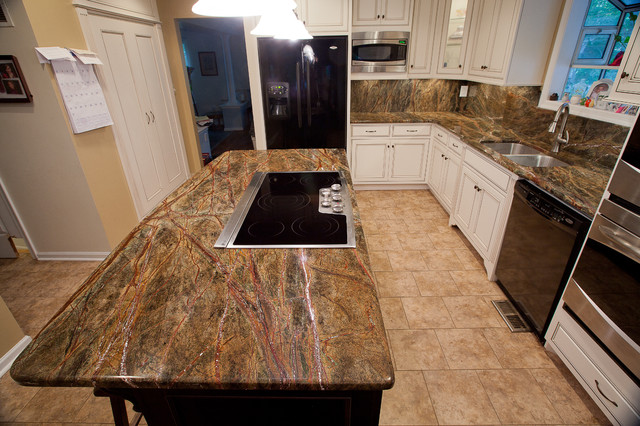 Ordinaire Rainforest Green Granite Kitchen Traditional Kitchen
