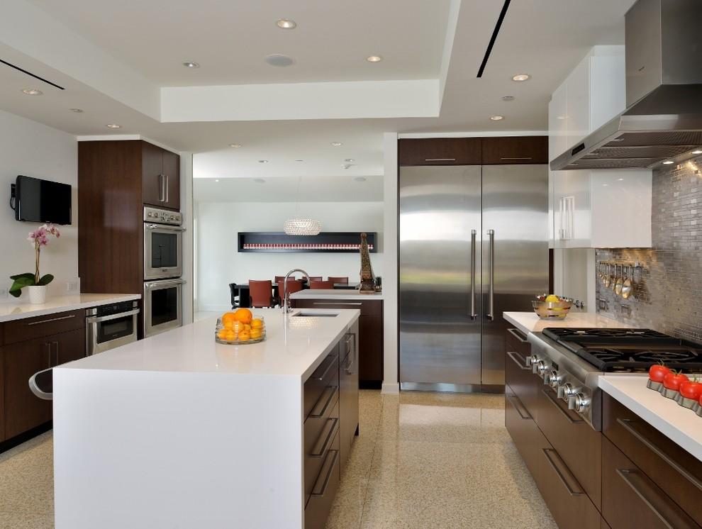 Minimalist kitchen photo in Houston with stainless steel appliances