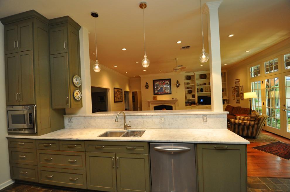 Elegant kitchen photo in Austin