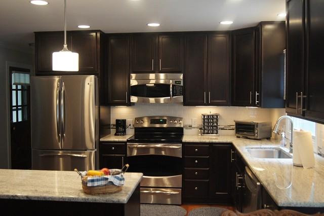 Minimalist Kitchen Photo In Raleigh