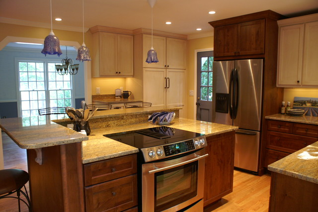 Raleigh Kitchen Remodel Cozy Mix Of Paint And Stained Cabinetry Traditional Kitchen