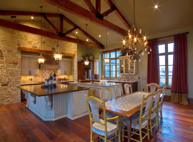 Ranch home rustic kitchen houston by sweetlake for Homeinteriors com texas