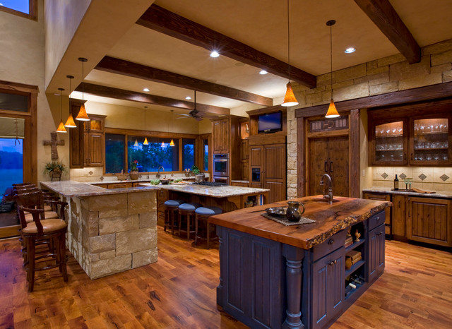 Ranch rustic kitchen austin by linda mccalla interiors - Modern ranch home interior design ...