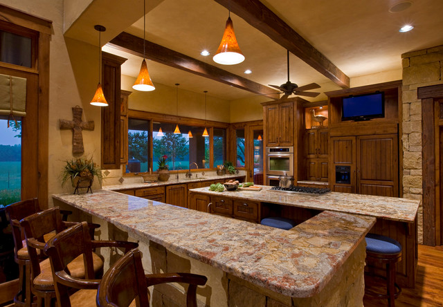 Ranch rustic-kitchen