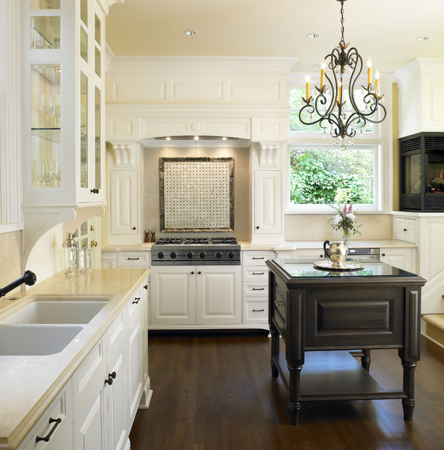 Rattenbury Kitchen - Traditional - Kitchen - Vancouver - by The Sky is the Limit Design