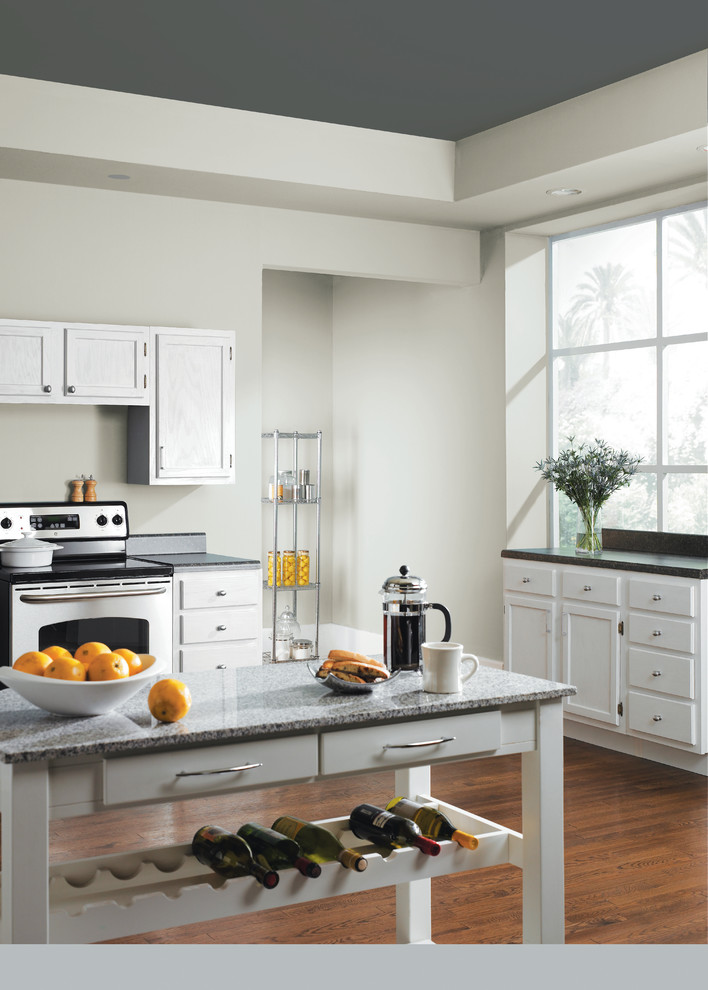 Inspiration for a transitional kitchen remodel in Columbus