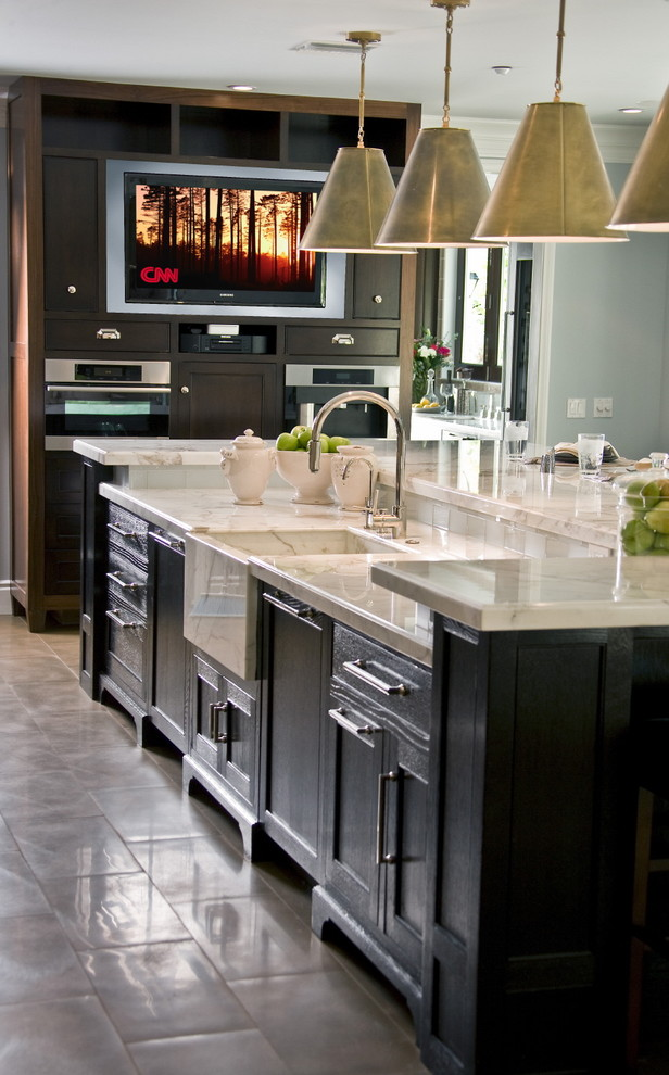 Kitchen - traditional kitchen idea in Los Angeles with an integrated sink