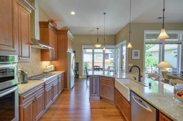 Recently Completed in Vancouver WA Craftsman Kitchen