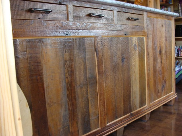 Reclaimed Barnwood Kitchen Cabinets Traditional Kitchen Minneapolis By Vienna Woodworks Houzz Nz